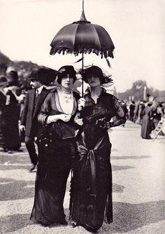 maudelynn:  paris c.1911 viahttp://fffertileminds.blogspot.com