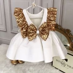 Sparkly Ezmeralda Dress 20% off ALL IN STOCK ITEMS!! Use Code: WEARE3 TODAY ONLY!! ⏳ Click the link in bio to shop! Worldwide Delivery ittybittytoes