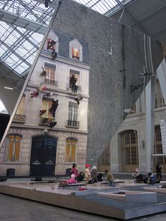 Mirror installation | the 'Dalston House' | Leandro Erlich