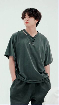 Foto Jungkook, Foto Bts, Jungkook Oppa, Bts Bangtan Boy, Bts Boys, Jung Kook, V Bts Wallpaper, Soft Wallpaper, Mode Kpop