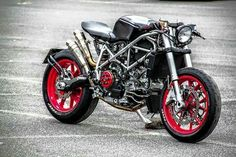 Ducati Cafe Racer シ Ducati 749, Moto Ducati, Ducati Cafe Racer, Cafe Bike, Ducati Motorcycles, Moto Bike, Motorcycle Bike, Custom Motorcycles, Custom Bikes