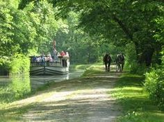 Historic village where kids can learn about Ohio's past especially about the history of Ohio canals.