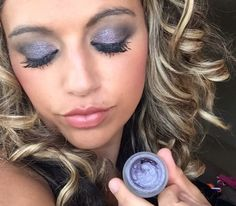 Splurge cream eyeshadow in Noble the perfect colour for day or night http://www.emmazinglashes.com/