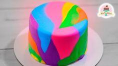 Como decorar un bizcocho (pastel) y cupcakes fácil con flores de frosting de…