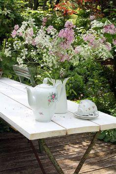 Tea Time ( by Madeli