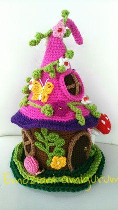 fairy house-Knitting and Crochet Communication-Crochet Diary-PinDIY - Crochet Fairy, Crochet Home, Cute Crochet, Crochet Dolls, Crochet Gifts, Crochet Flower Patterns, Crochet Flowers, Crochet Decoration, Fairy Dolls
