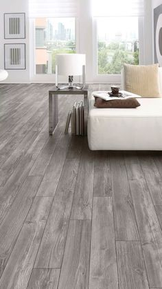 Le plancher flottant Monjito de couleur Platane Rustic Fireplaces, House Flooring, Dining Room Floor, Hamptons House, Kitchen Room Design, Home Deco, Flooring, Stair Remodel, Laminate Flooring In Kitchen