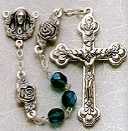 Rosebud+Emerald+Glass+Bead+Rosary