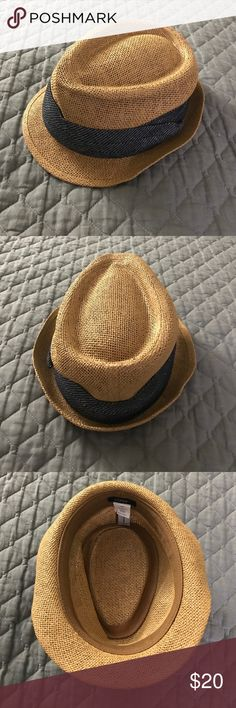 Unisex J.Crew fedora Hat Used a few times but mostly in good shape. The top is slightly bent as seen in the pictures. It's a men's hat but can be worn unisex. J. Crew Accessories Hats