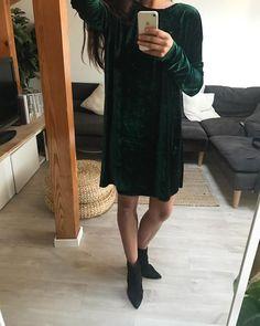 "Polubienia: 64, komentarze: 3 – anoi (@anoistore) na Instagramie: ""#new #collection #fall #winter #velvet #dark #green #oversize #dress #fashion #mood #ootd…"""