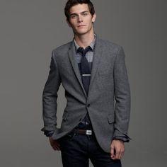 dark grey blazer outfit.