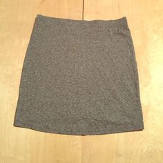 Forever 21 Mini Skirt Grey mini skirt, perfect for dressing up or down ! Forever 21 Skirts Mini