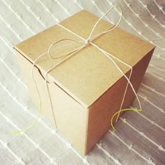 Dip the ends of twine in neon paint for a rustic packaging with a pop of color. Also keeps from fraying. Neon Painting, Display Boxes, Twine, Color Pop, Best Gifts, Neutral, Wraps, Gift Wrapping, Packaging