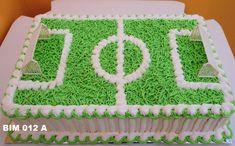 bolo gramado de estádio - Pesquisa Google Soccer Birthday Cakes, Soccer Cake, Birthday Party Snacks, Sport Cakes, Resep Cake, Cake Decorating Techniques, Buttercream Cake, Cake Tutorial, Celebration Cakes