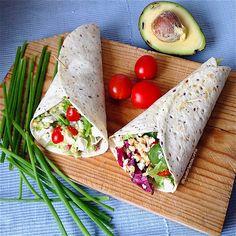 My Casual Brunch: Wraps com abacate, salada, queijo feta e nozes