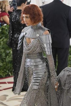 Zendaya! Could I make this collar/ pauldron combo with sintra?