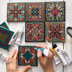 Gorgeous ceramic tiles with dot painting by Alina Nureeva 🎨 Dot Art Painting, Mandala Painting, Ceramic Painting, Mandala Dots, Tile Art, Tiles, Mural Art, Diy Arts And Crafts, Islamic Art