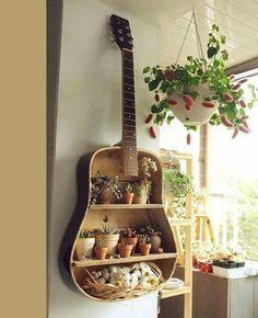 Image result for decoração com violão velho