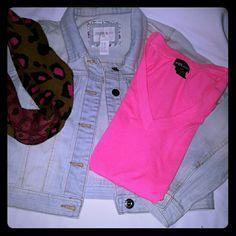 Forever 21 girls jean jacket Light denim jean jacket Forever 21 Jackets & Coats