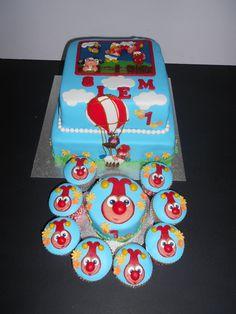 Efteling taart: Joki & Jet Stapeltaart met Meptaartje en bijpassende Cupcakes Efteling Cake: Joki & Jet Cake with smash cake and matching Cupcakes