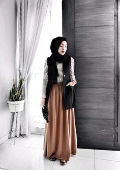 tan maxi skirt hijab look- Hijab fashion magazine…
