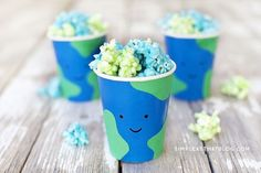 Easy Earth Day Treat Cups Cute, inexpensive fun for kids for Earth day! These cups are perfect for party favours, classroom treats & double as a super easy craft!