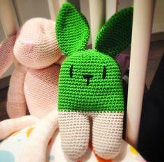 Sonajero conejo crochet (patrón de @lanukas)