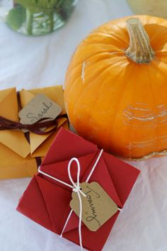 favor boxes for fall wedding reception