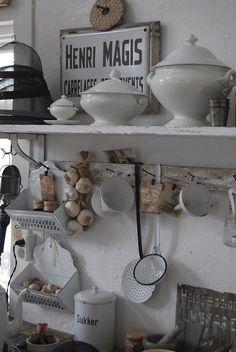 White Kitchen Details ▇  #Vintage #Home #Decor  via - Christina Khandan  on IrvineHomeBlog - Irvine, California ༺ ℭƘ ༻