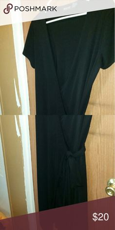 Wrap Dress Very sexy slimming black dress New York & Company Dresses Midi