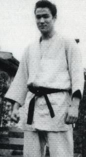 an essay on my satisfaction in studying martial arts For example, if you compete in martial arts, you might start your essay like this: sweat dripped into my mouth while i tried to catch my breath my blonde braid smacked my cheek as i landed a jump spinning roundhouse kick on my opponent's head.