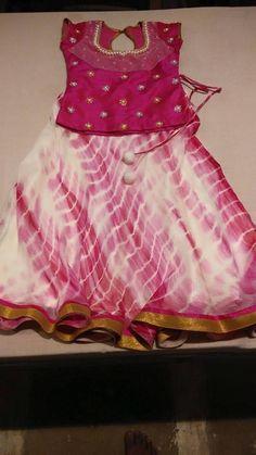 Tie n dye one must have for kid's wardrobe Frocks For Girls, Kids Frocks, Dresses Kids Girl, Kids Outfits, Baby Dresses, Kids Indian Wear, Kids Ethnic Wear, Baby Lehenga, Kids Lehenga