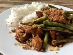 Kip met sperziebonen in ketjapsaus – Judoka Margriet Bergstra Multicooker, Slow Cooker, Food And Drink, Healthy, Asparagus, Indian, Crockpot, Crock Pot, Slow Cooking