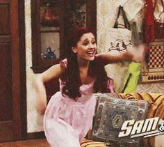 ariana grande sam and cat tv show photos Ariana Grande 2010, Ariana Grande Big Sean, Ariana Grande Victorious, Ariana Grande Pictures, Cat Valentine Outfits, Big Bang Theory Quotes, Cat Valentine Victorious, Sam And Cat, Jessie J