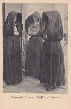 women's fashion in 1919 portugal Old Photos, Vintage Photos, Costumes Around The World, Portuguese Culture, Mode Costume, Traditional Dresses, Traditional Art, Anthropology, History