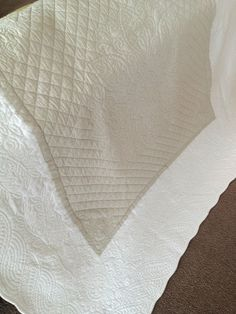 ecru provincial shabby chic quilted cotton throw rug comforter