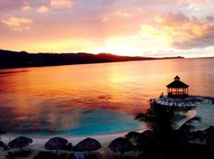 Beautiful colors fill the sky at Secrets Wild Orchid Montego Bay. Photo credit: Cora4600 #secretssociety