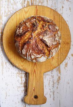 Easy sourdough - no knead bread recipe