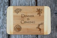 Game of Thrones cutting board – «Dinner is coming» cheese board GOT inspired – Laser engraved Christmas present – best gift for men