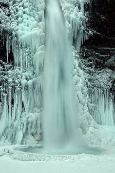 Ice formations.  Rick Lundh, photographer,