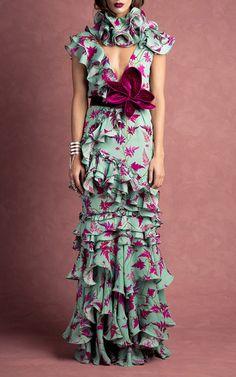 Get inspired and discover Johanna Ortiz trunkshow! Shop the latest Johanna Ortiz collection at Moda Operandi. Fashion 2017, Love Fashion, Womens Fashion, Fashion Design, High Fashion Dresses, Beautiful Gowns, Dream Dress, Dress To Impress, Designer Dresses