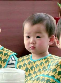 Daehan Minguk Manse Triplet Babies, Superman Kids, Man Se, Song Triplets, Asian Babies, Wallpaper S, Baby Pictures, Kids And Parenting, Cute Kids