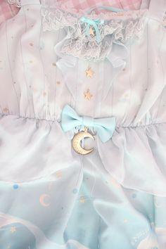 lolita fashion moon