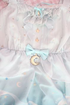 small-fawn: Close up of all the beautiful details( ´∀`)☆