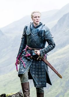 Gwendoline Christie as Brienne of Tarth in Game of Thrones. She was true to her word she gave to Catelyn Game Of Thrones Series, Game Of Thrones Tv, Game Of Thrones Houses, Brienne Von Tarth, Lady Brienne, Costumes Game Of Thrones, Game Of Thrones Brienne, Gwendolyn Christie, Game Of Thrones Birthday