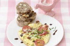 Käse-Rührei http://www.vital.de/essen/rezepte/artikel/fruehstuecks-rezepte/page/5