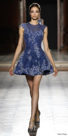 fe79f17ff Tony Ward Fall Winter 2015-2016 Couture Collection. Modelos De Vestido ...
