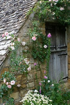 Cottage and posies.......