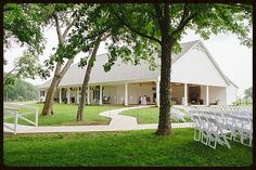 Willow Creek Wedding Venue back pavilion area next to the ceremony site.