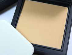 NARS All Day Luminous Powder Foundation